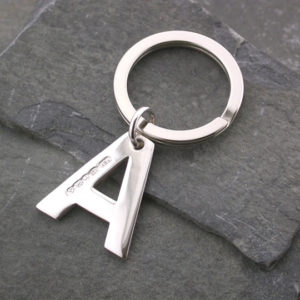 Silver Magpie keyring A