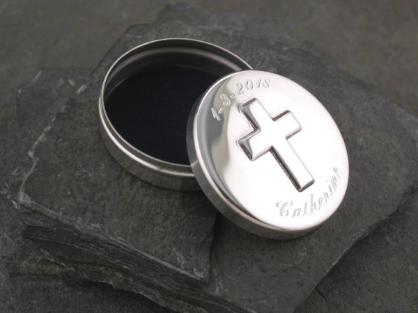 cross box engraved s