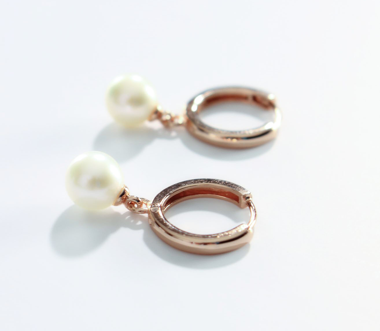 product photo pearl hoops SQUARE